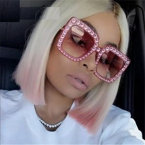 Accessories - 🎉HP!🎉✨Pink Oversized Square Sunglasses✨